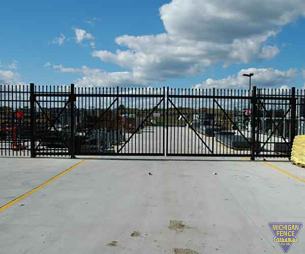 ZipTrack Gate with Aluminium Security Fence
