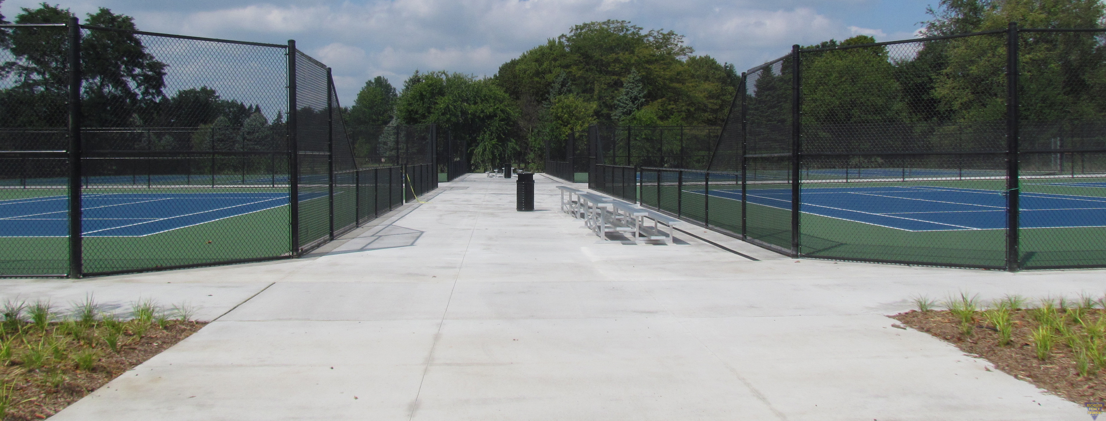 Vinyl Coated Chain-link Tennis Court Fencing